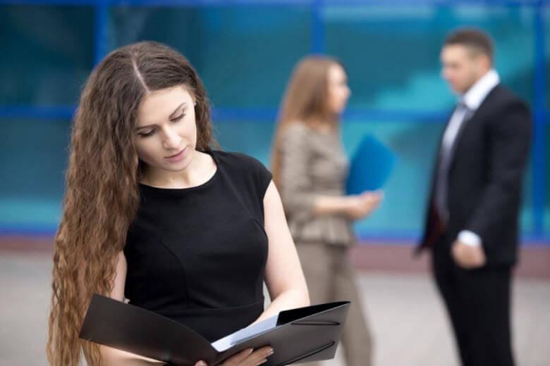 Cambio de NIE a DNI de mi empleada de hogar ¿Qué debo hacer?
