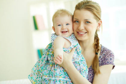 En qué se diferencia un Au Pair de una-mujer con bebe
