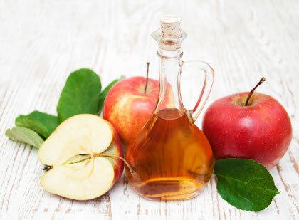Vinagre de manzana con manzanas