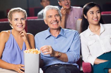 Normas de protocolo - en el cine con palomitas
