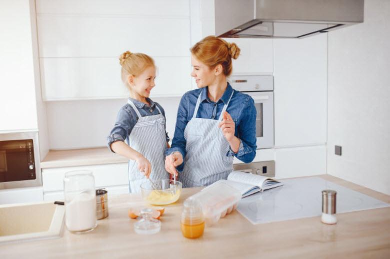 Implicar a los niños en las tareas domésticas: los 10 beneficios