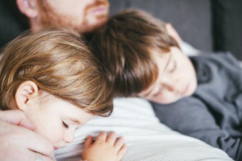 Cómo favorecer el sueño en bebés y niños